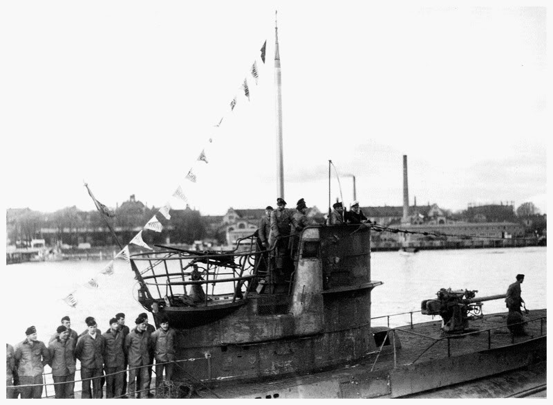 U-46-Le6septembre1940Lorientretourdela7imepatrouilletouspavillonsdevictoiredplyspourlaRTdelObltzSEndrass