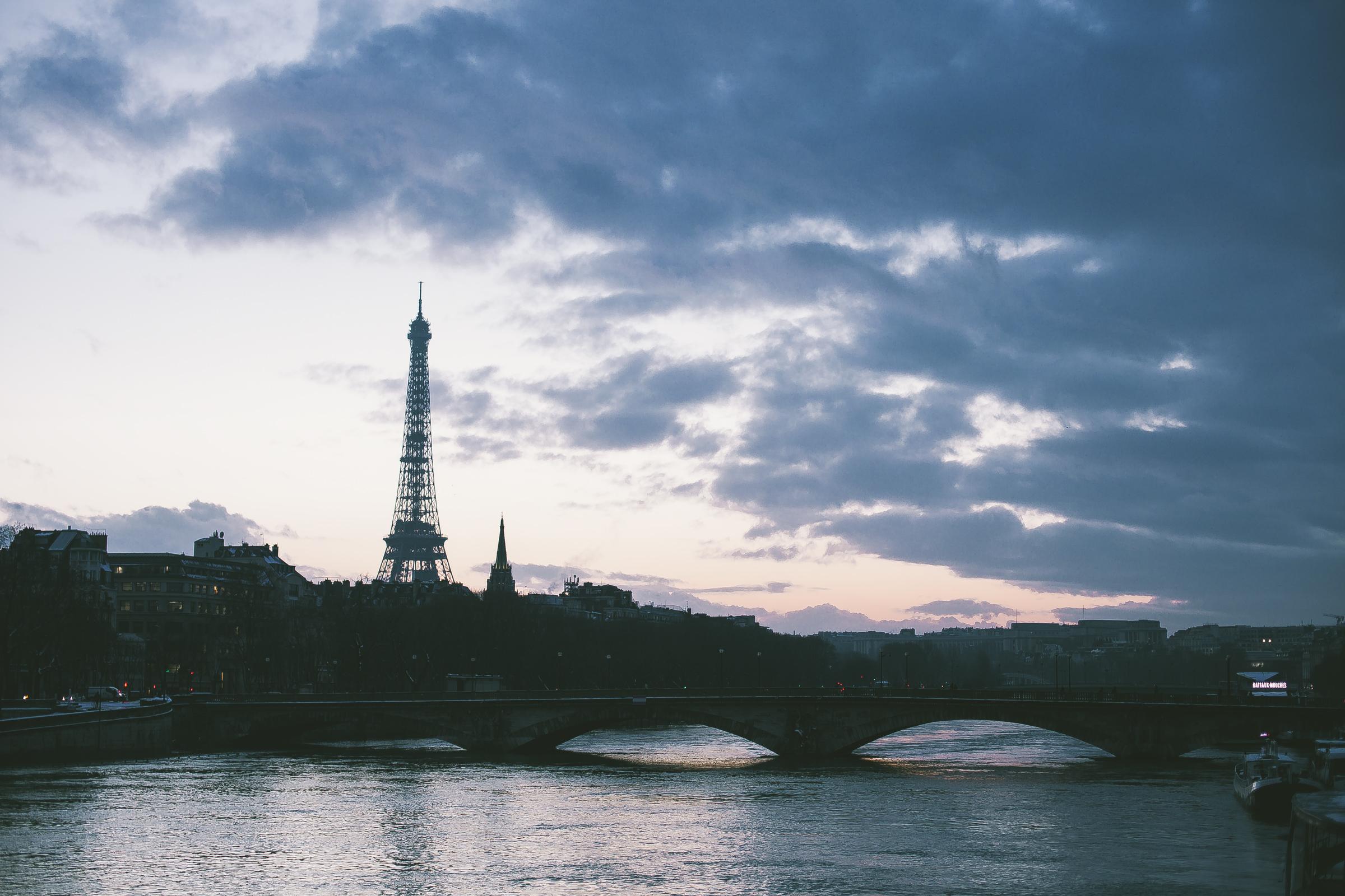 силуэт Парижа.jpg