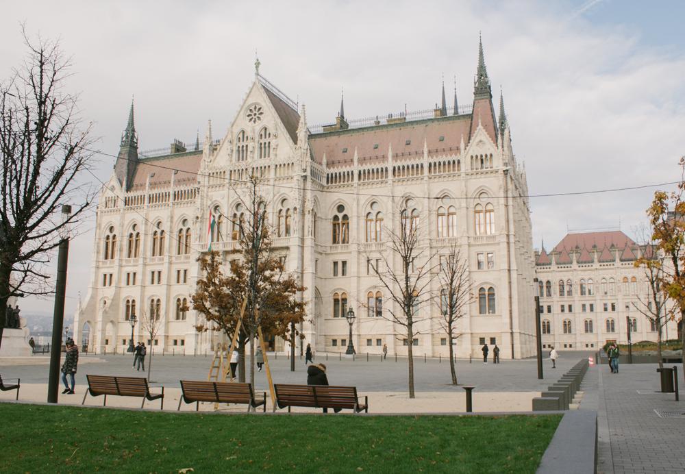 Здание Парламента1.jpg