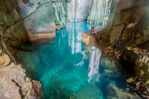 Sawa-Caves.jpg