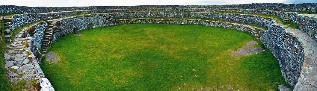 Панорама внутри крепости Grianan of Aileach.