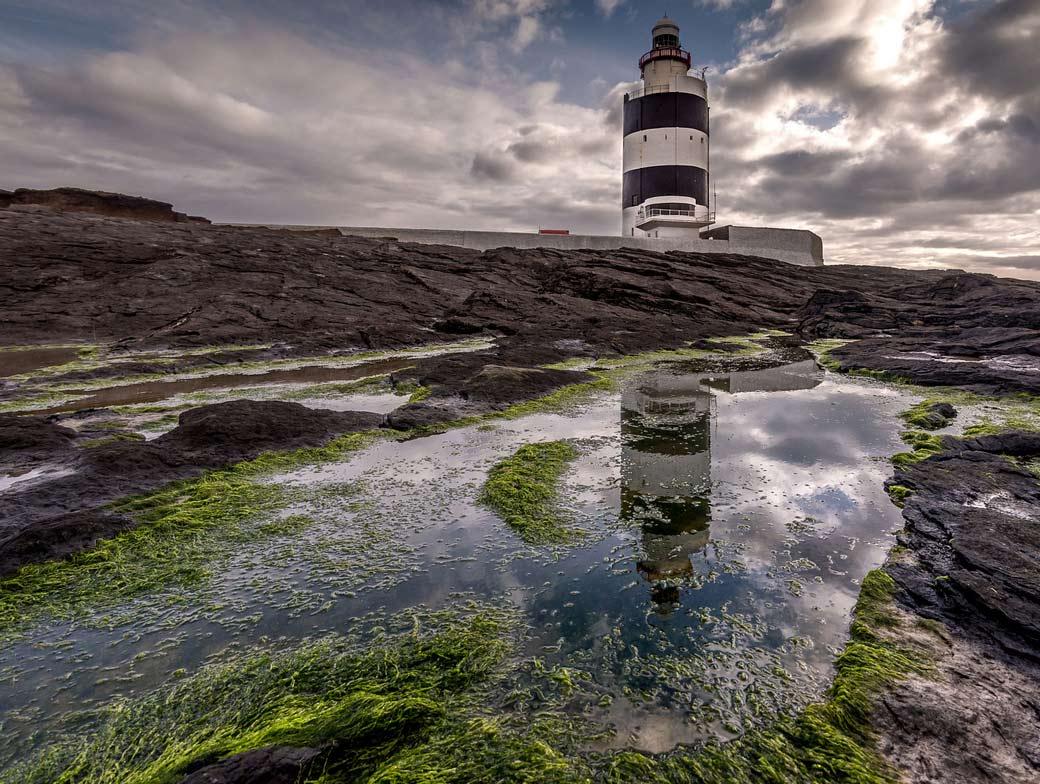 Маяк Хук Хэд - самый старый действующий маяк в Ирландии.