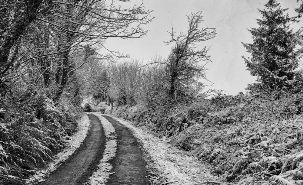 Деревенская дорога в Ирландии.