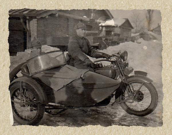 Копия Архип в коляске мотоцикла