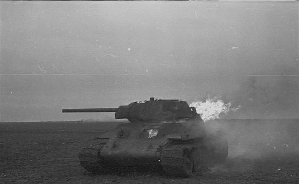 Горит Т-34