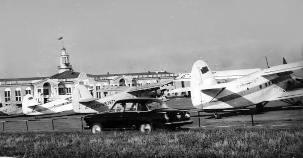 Аэропорт МВЛ перрон Ан-2 70-е Scan20055-1