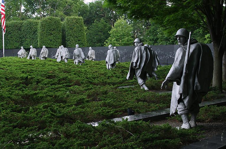 Мемориал погибшим в Корее