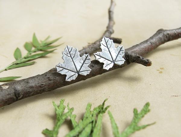 гвоздики кленовые листья2