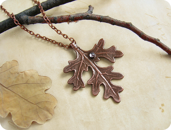 кулон лист с росой