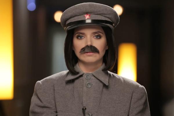 Украинская ведущая переоделась в Сталина и потребовала вернуть Крым