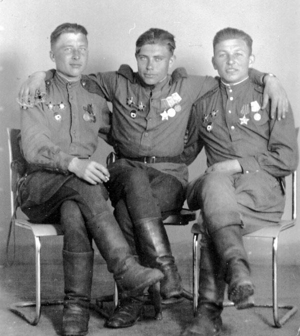 1275112962_artemev-chekhija-22-maja-1945