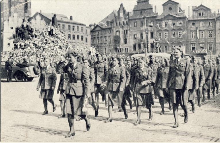 Расправа чехов над немцами в 1945-м. Нет ничего страшнее развязавшегося холопа 125300217