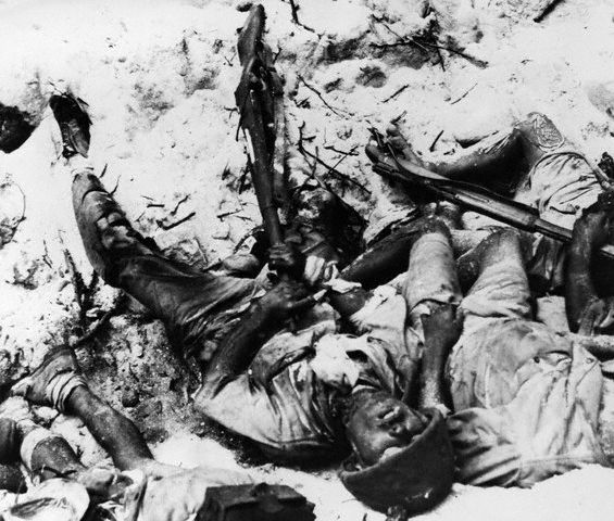 Japanese soldiers commit suicide, Marshall Islands, 1944