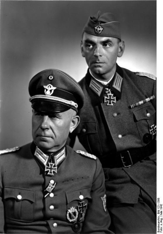 Bundesarchiv_Bild_121-1398%25252C_Bernhard_Griese_und_Rudolf_Pannier%5B1%5D