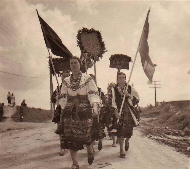 Украина парад4 женщины