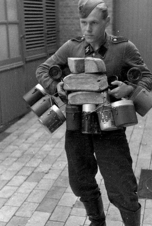 Завалили трупами русские пулеметы. 190331-04054418d0297865f2954c527ec975c3