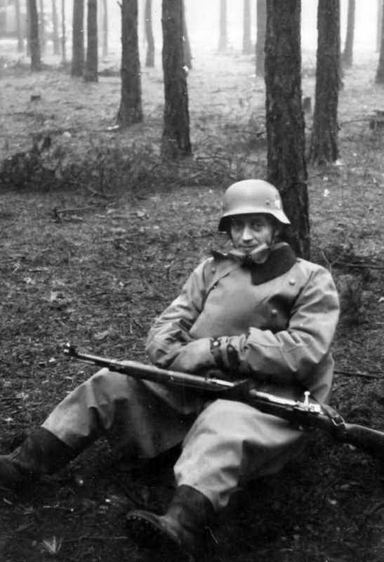 Завалили трупами русские пулеметы. g66