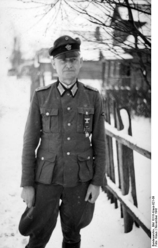 Bundesarchiv_Bild_101III-Kraus-021-09,_Russland,_Alfred_Wünnenberg,_SS-Polizei-Division