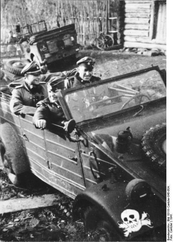 Bundesarchiv_Bild_101III-Cantzler-045-05A,_Russland,_VW-_Kübelwagen