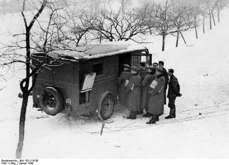 Bundesarchiv_Bild_183-L14196,_Polen,_PK-Übertragungswagen