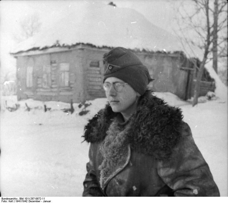 Bundesarchiv_Bild_101I-287-0872-11,_Russland_(bei_Orel),_Soldat
