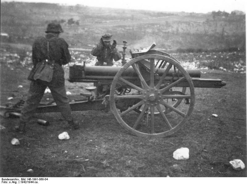 Bundesarchiv_Bild_146-1991-068-04,_SS-Karstwehr-Bataillon,_Ausbildung