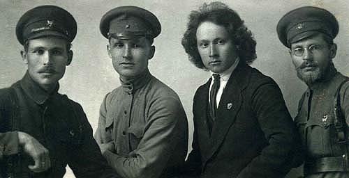 Становление советской власти  (документы и фото).