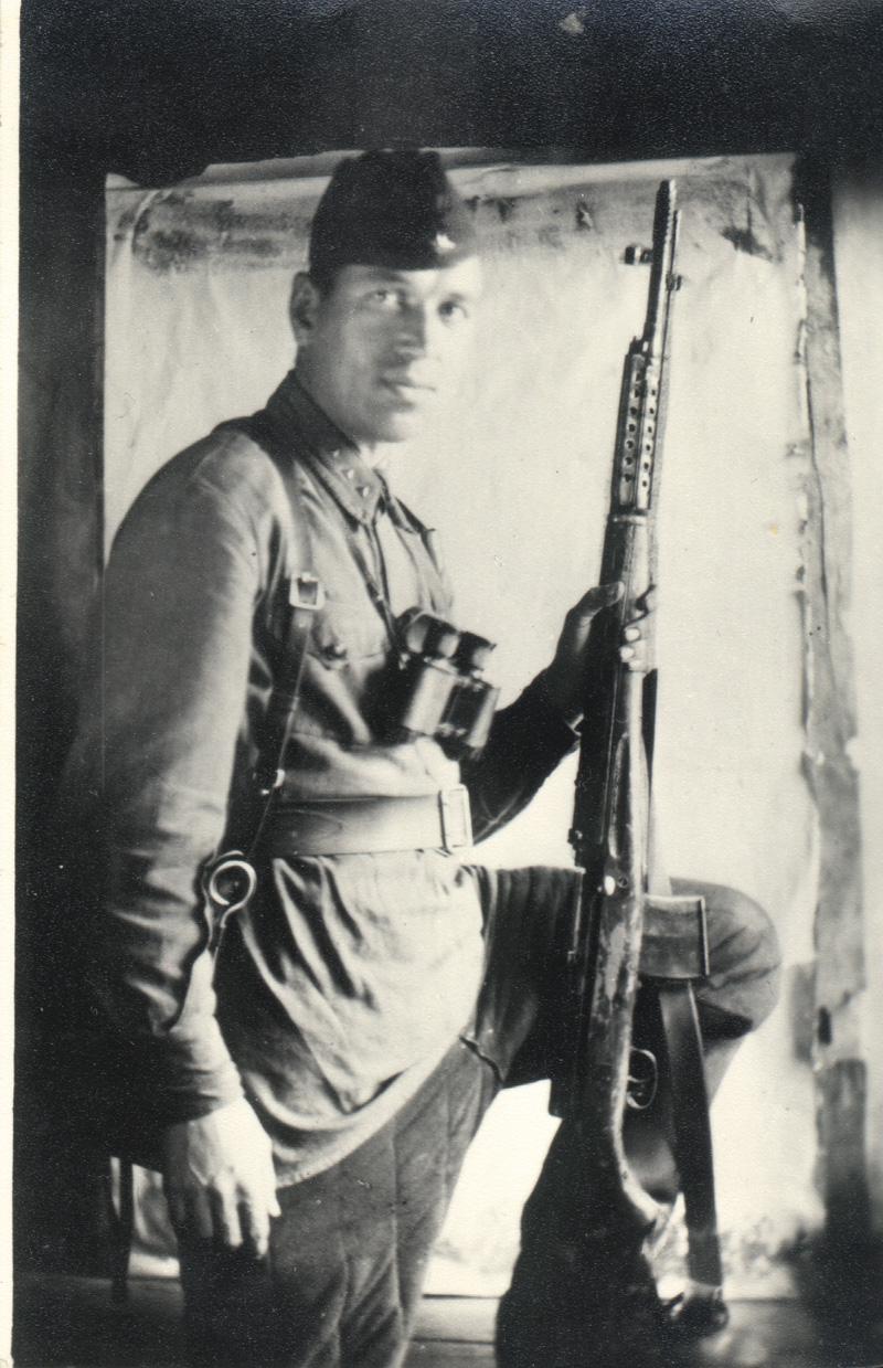 Ст-сержант-Дмитриев-1941-год