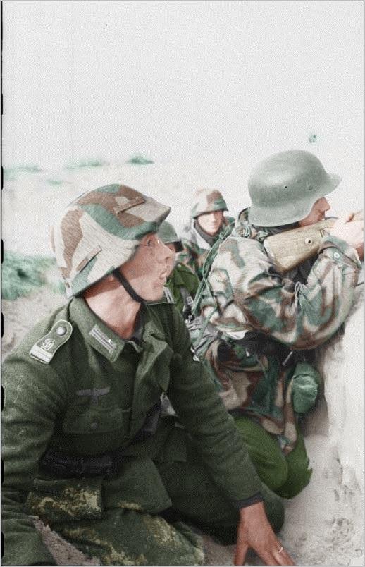 Russland%2C_Soldaten_im_Schützengraben