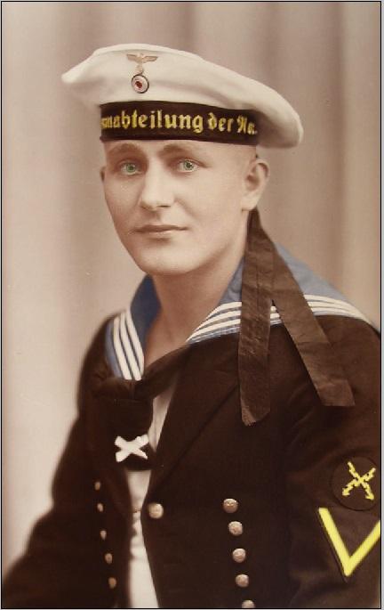 junger soldat der marine