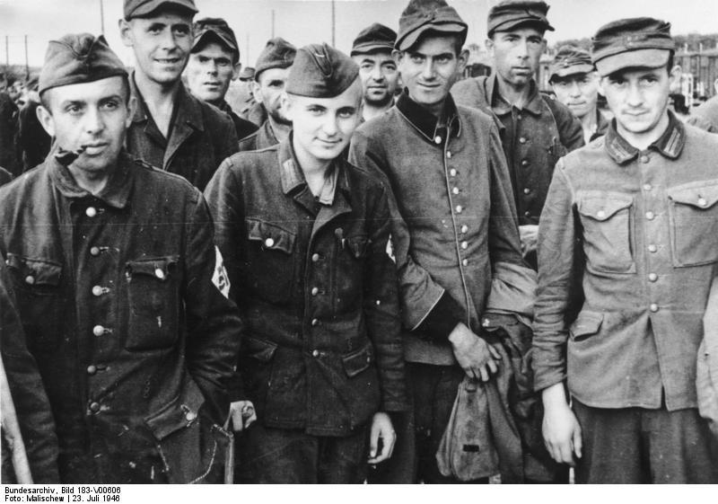 Bundesarchiv_Bild_183-V00606,_Frankfurt-Oder,_Rückkehr_deutscher_Kriegsgefangener