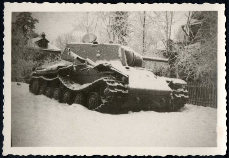 uritsk-tank2