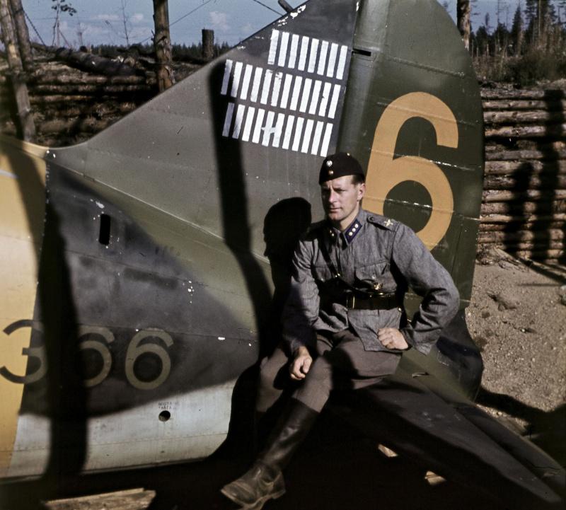aviatsiya_finn_karhunen_1943_mini.2ddcqy8f93dwwo4cw88c8gogo.ejcuplo1l0oo0sk8c40s8osc4.th