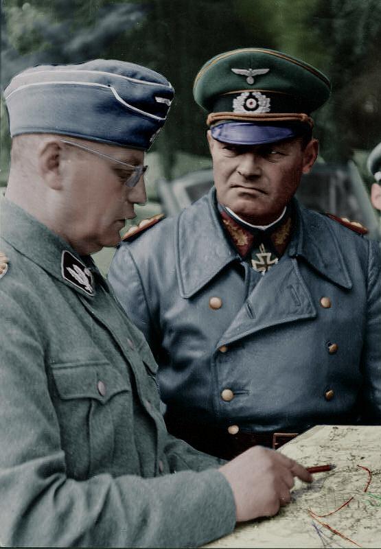Erich Hoepner & SS-Gruppenführer Arthur Mülverstedt1