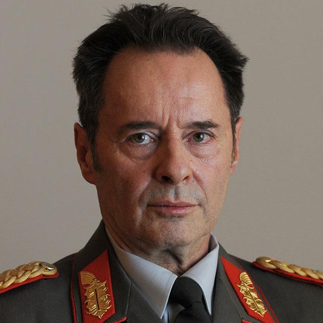 Кого-то наши Вожди предали в ГДР....за нашей спиной.