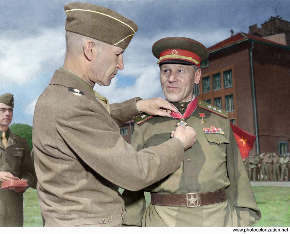 Генерал Горбатов и полковник Брежнев.  ( 3 фото )