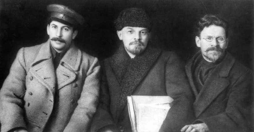 Stalin-Lenin-Kalinin-1919.jpg