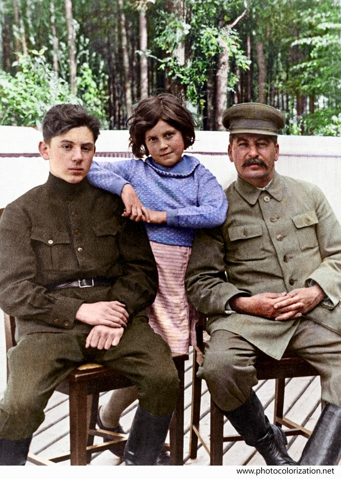Он был хорошим, дедушка Сталин. ( 3 фото )