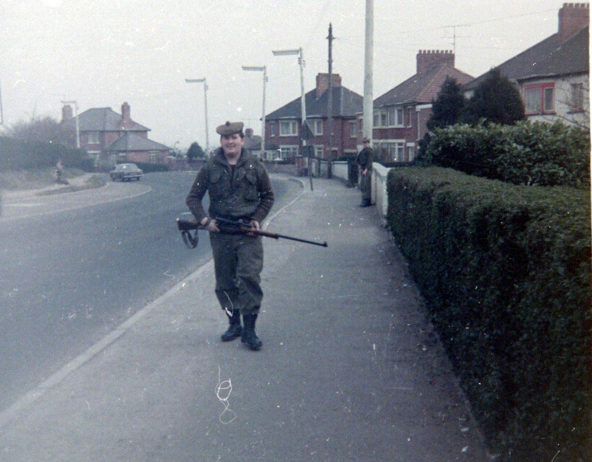 Ronni-and-Sid-Jaffray-on-Gransha-Park-Turf-Lodge-Belfast-1973-1200x936.jpg