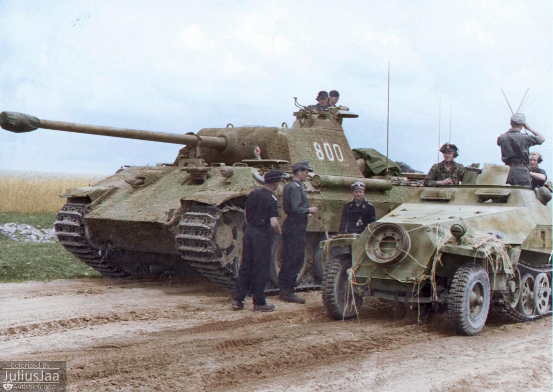 Бронетехника Второй Мировой в цвете.  ( 30 фото )