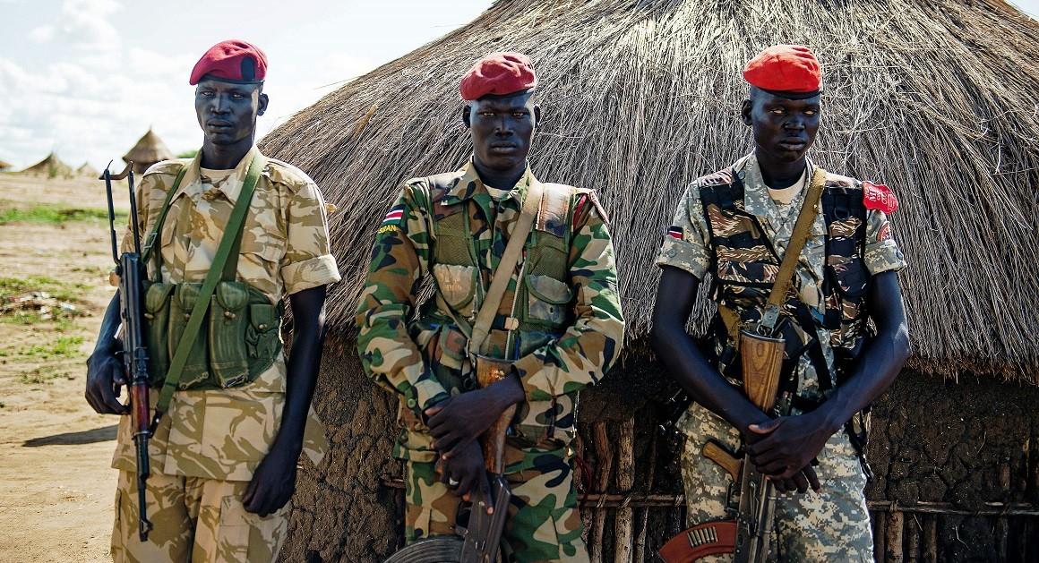 Армии Южного Судана. Хотели бы туда?  ( 28 фото )