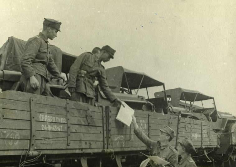 10.I-Armia-na-Ukrainie-EB.jpg