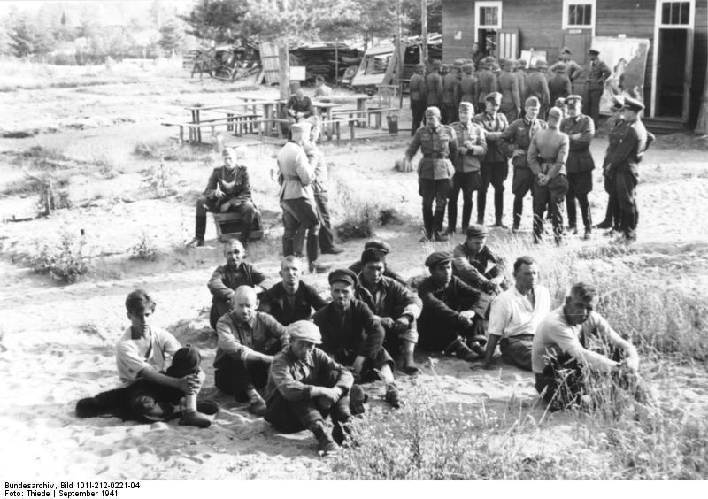 Bundesarchiv_Bild_101I-212-0221-04,_Russland-Nord,_Erschießung_von_Partisanen.jpg