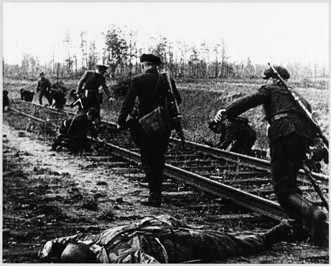 W-Partisans-8-HTJul06.jpg