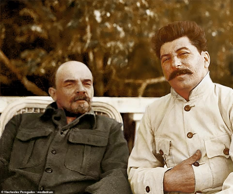 5314984-6306655-Lenin_and_Stalin_in_Gorky_1922_when_the_former_was_ill_This_phot-m-121_1540295765229.jpg