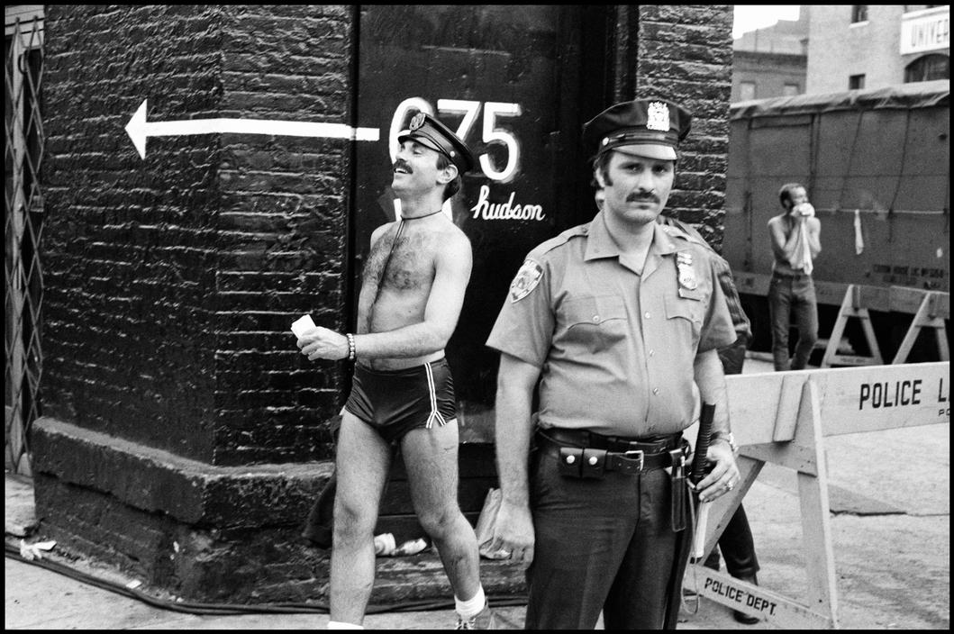 Pictures of Life of the New York Police Department in the 1970's (70).jpg