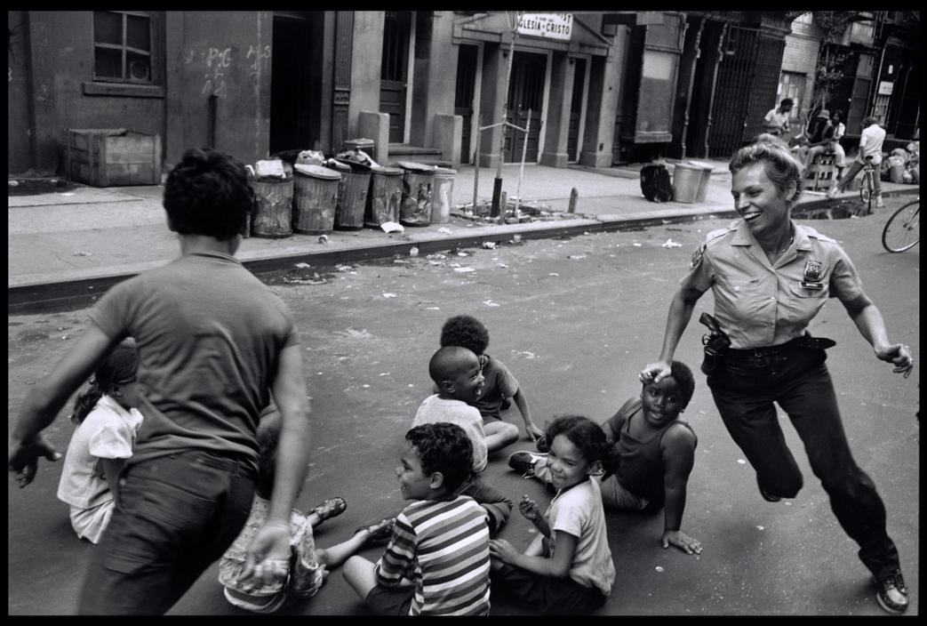 pictures-of-life-of-the-new-york-police-department-in-the-1970s-1.jpg