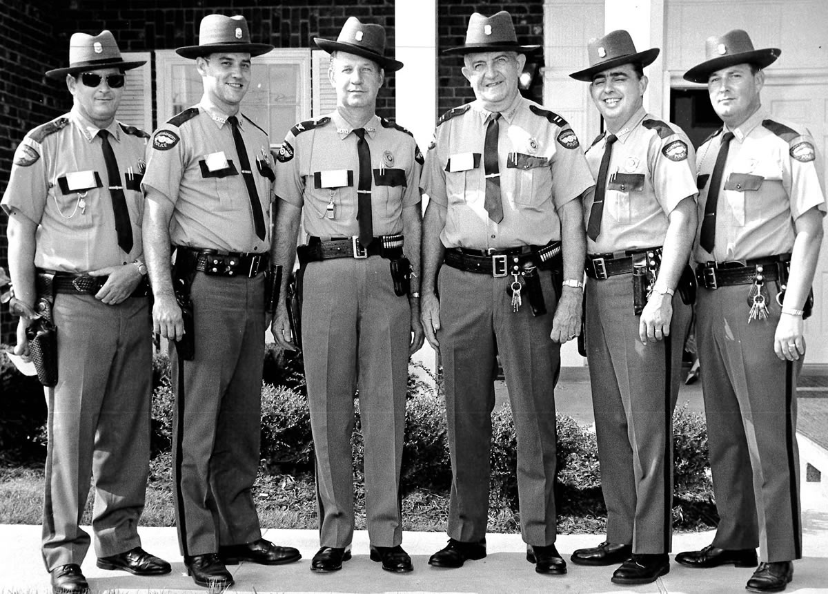 Police-Officers-1970.jpg