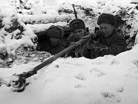 Немец наступает на Москву. ноября, время, несколько, чтобы, пушки, после, только, дороге, Торхово, должны, позиции, деревни, батальон, лошадей, действие, противотанковые, полка, противника, колонны, орудий