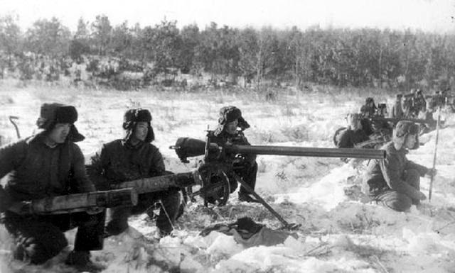 Зверства китайцев над раненными пограничниками. ранения, рядовой, грудь, после, добит, штыка, получил, ударами, затем, пограничников, плечо, марта, выстрелом, левое, пулевые, ударом, живот, советских, ранение, добили
